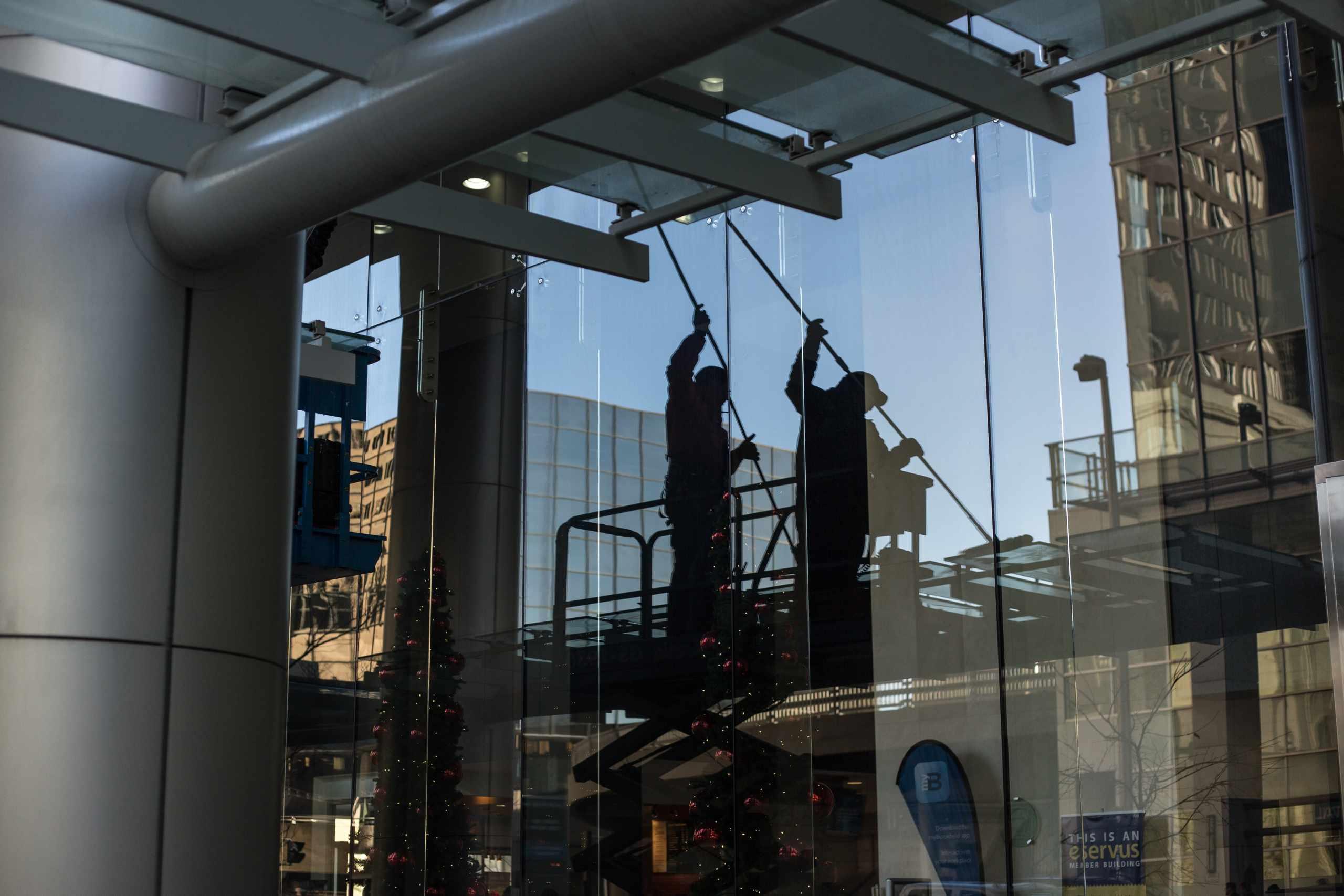 window cleaning companies